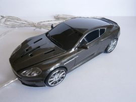 Aston Martin DBS formájú egér