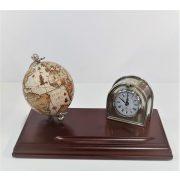 Elegáns asztaldísz földgömbbel és órával fa alapon